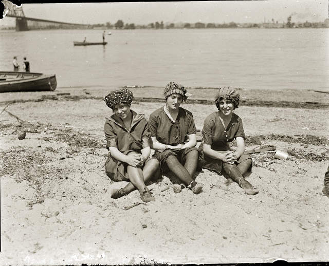 Pairing PMM's Three Bathers photo with Bourke Bathers