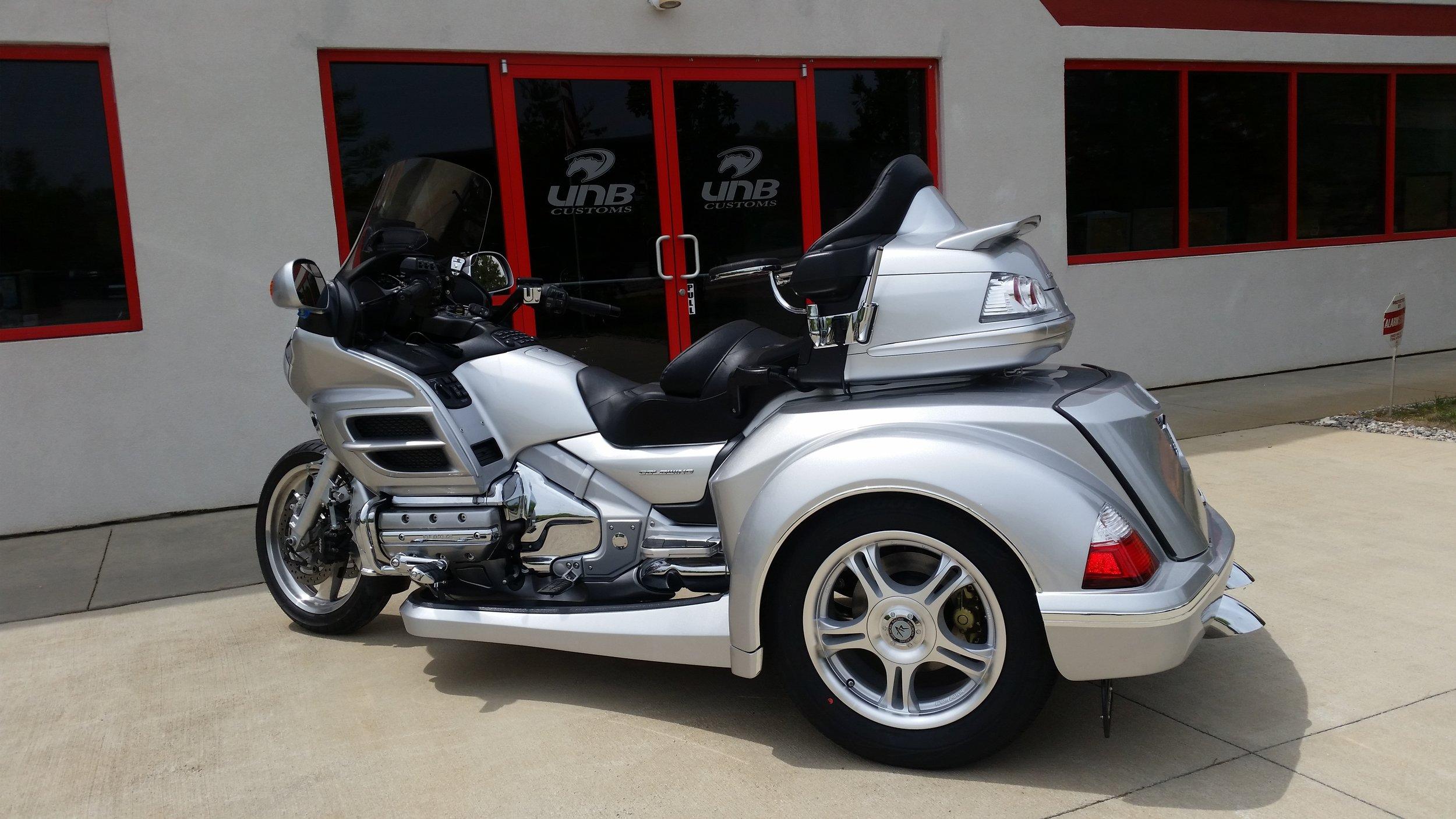 Honda Goldwing 1800 Roadsmith trike conversion (silver)