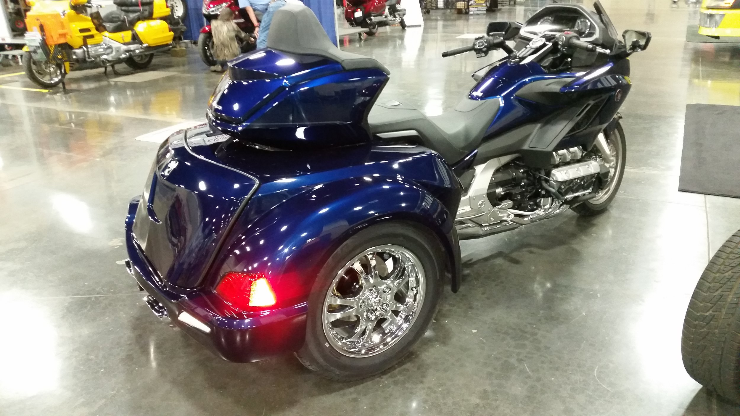 blue gold wing trike