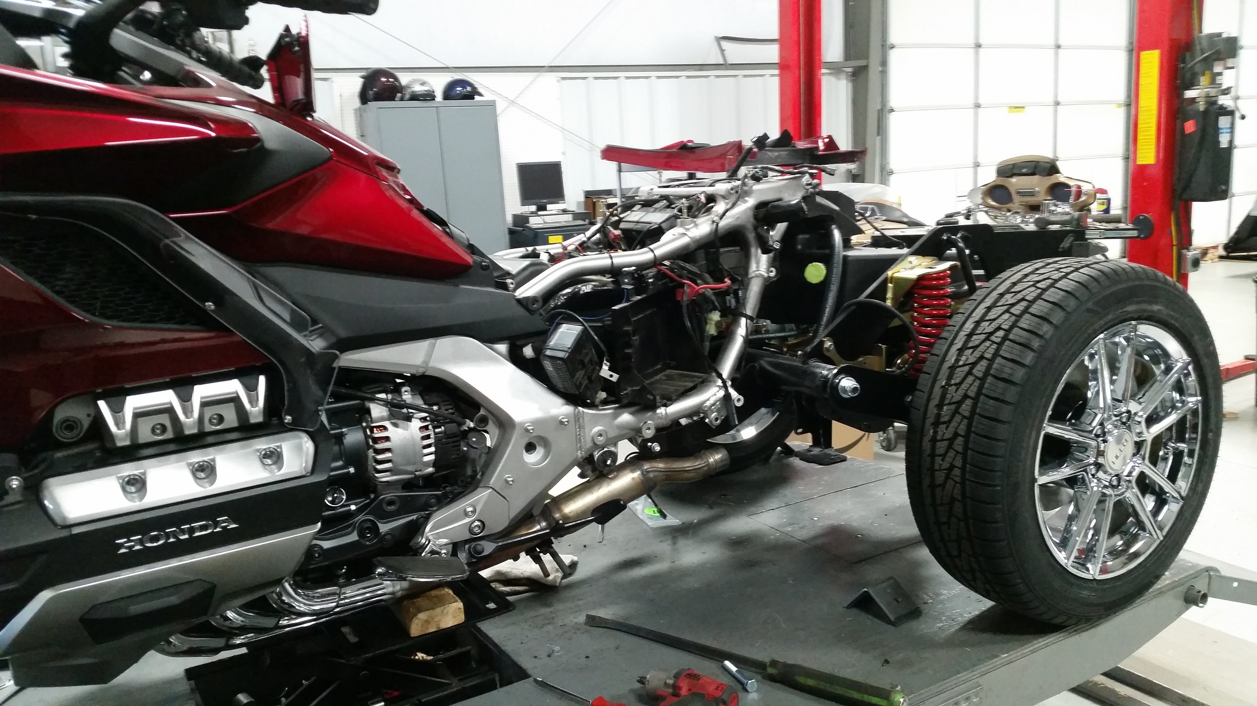 independent suspension trike kit installation on a 2018 goldwing 1800