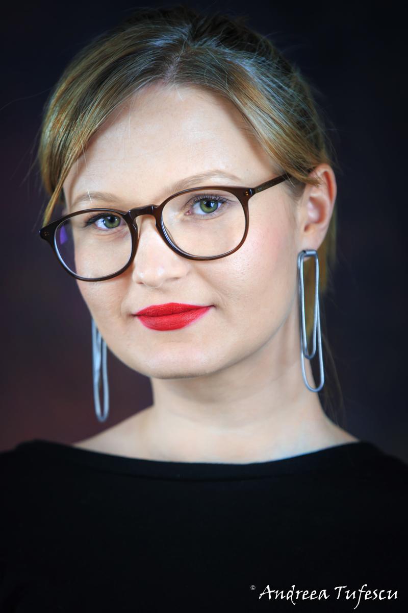 LinkedIn Portraits by Andreea Tufescu Photography - Designer Anc