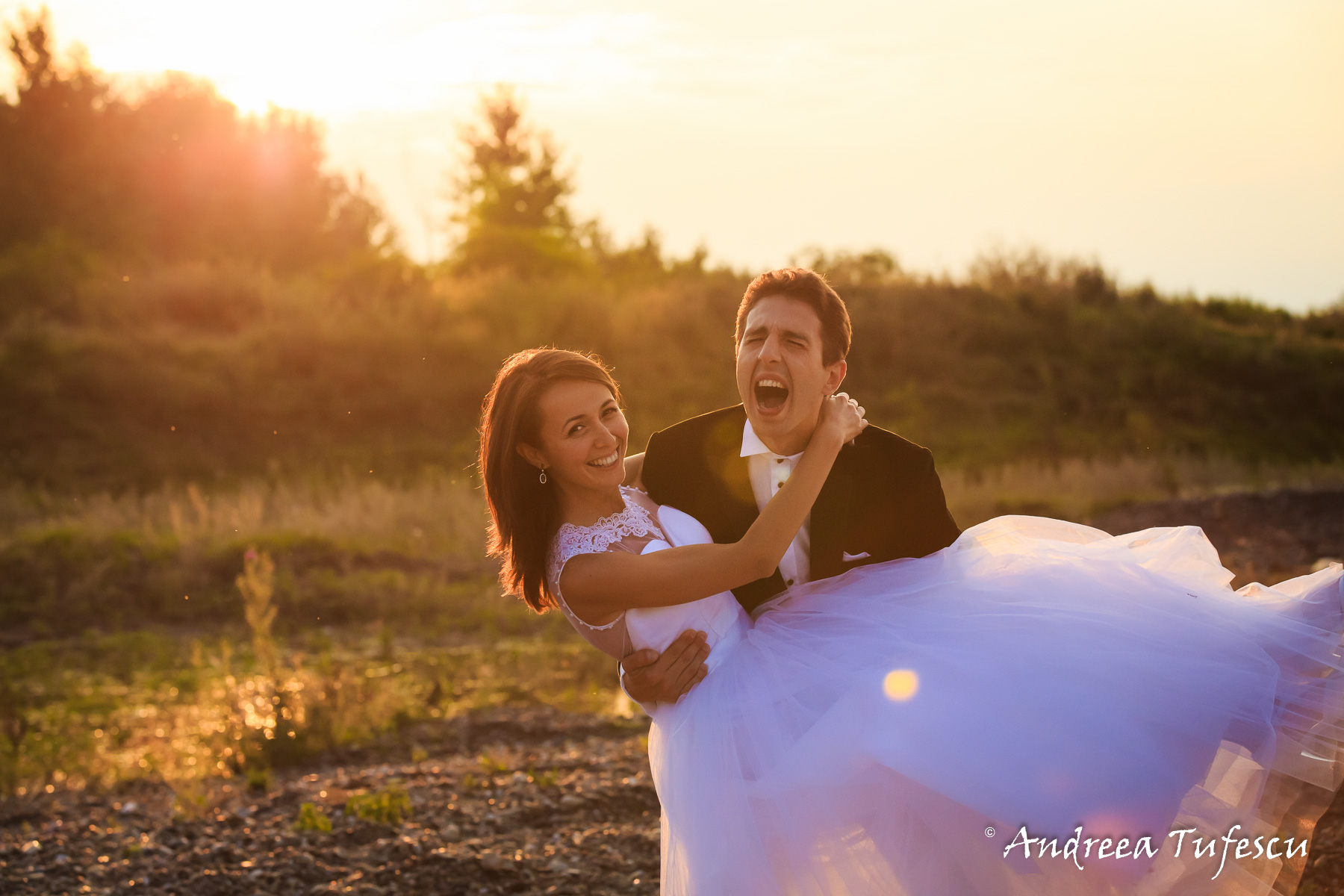 Wedding Photography by Andreea Tufescu - A & E Trash the Dress - Rock the Frock session riverside