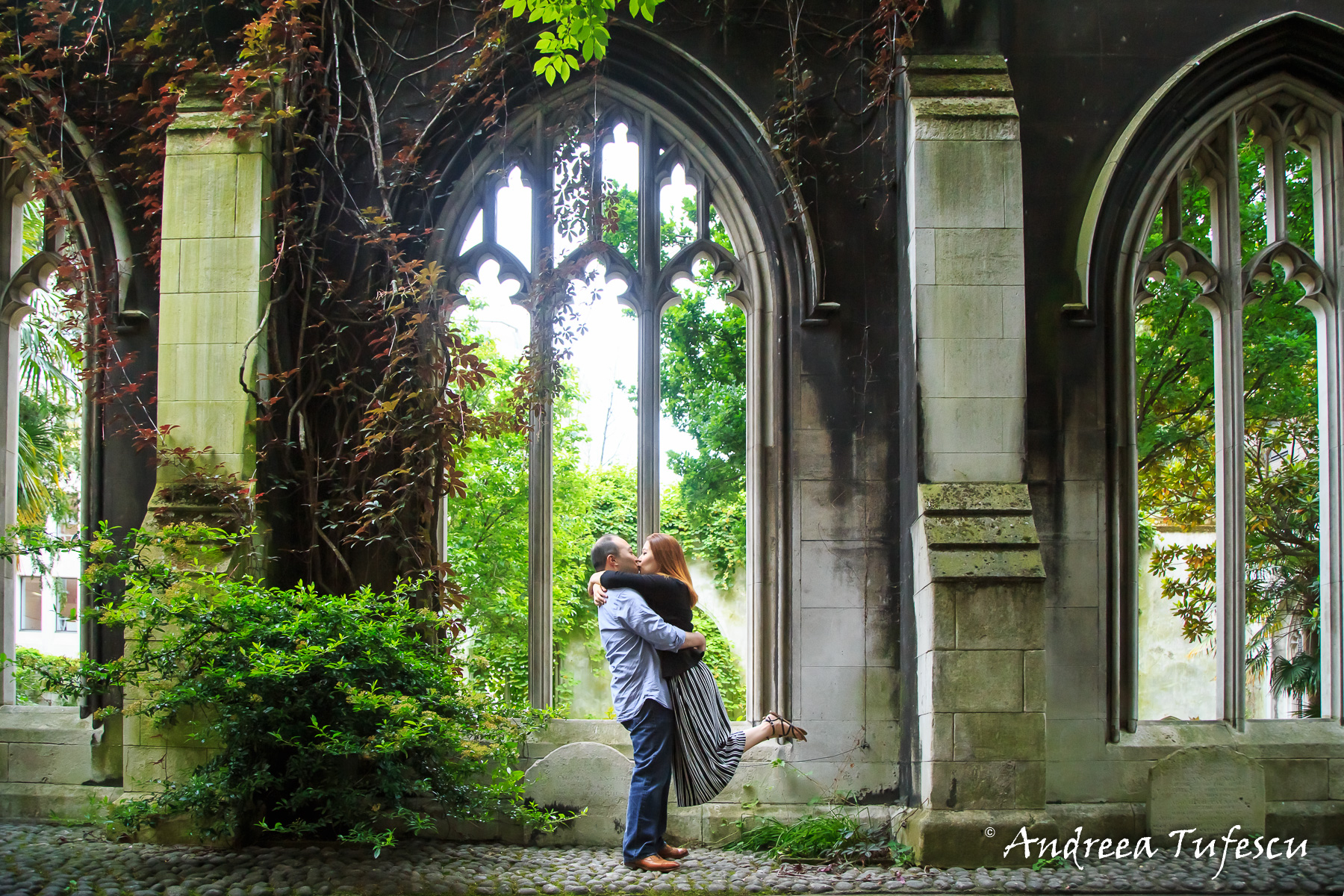 Wedding and Engagement Photography by Andreea Tufescu - H & R Engagement - PreWedding Photoshoot Central London Tower Bridge