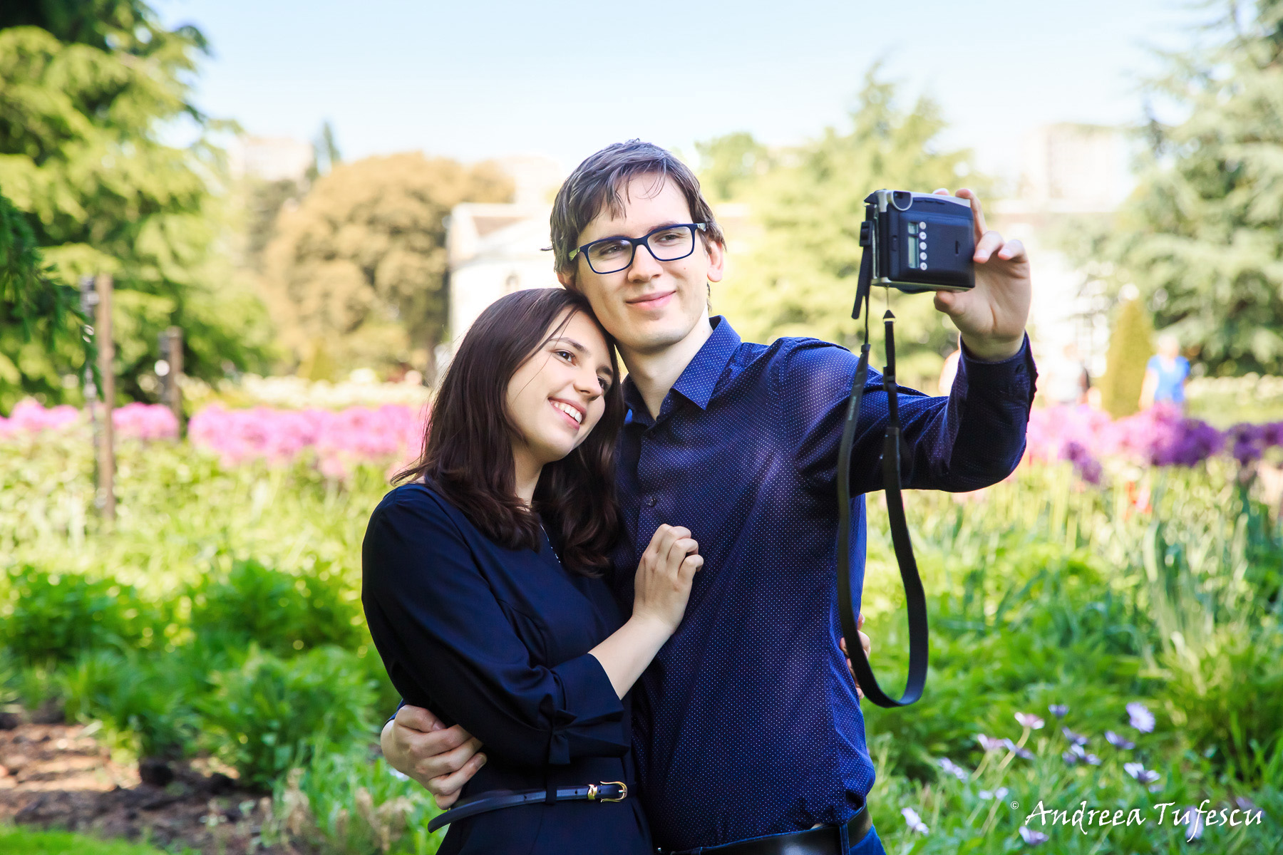 Engagement Photoshoot West London Kew Gardens K & M selfie