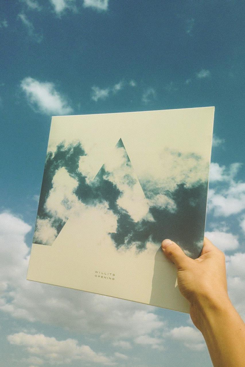 Willits_OPENING_Physical_Album-ClearVinyl_LP_2_3.jpg