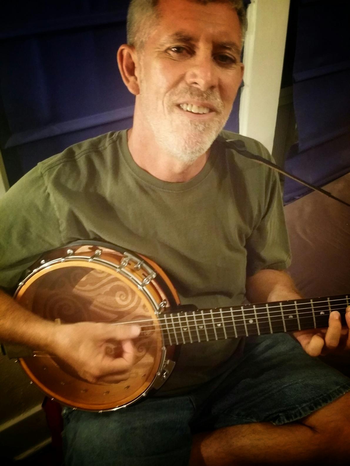 Abigail _ Bela Banjo Pic.png