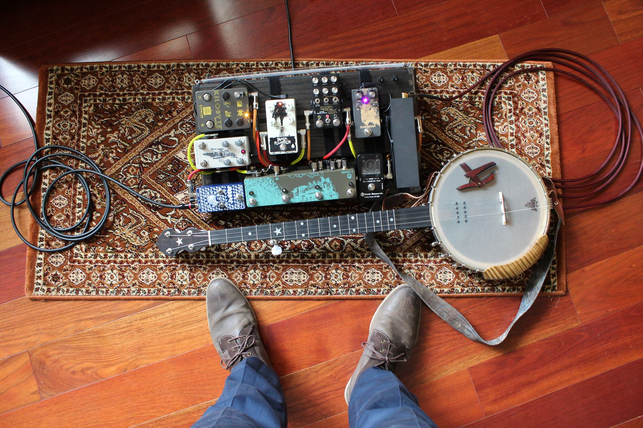 James Montague's Pedalboard.jpg