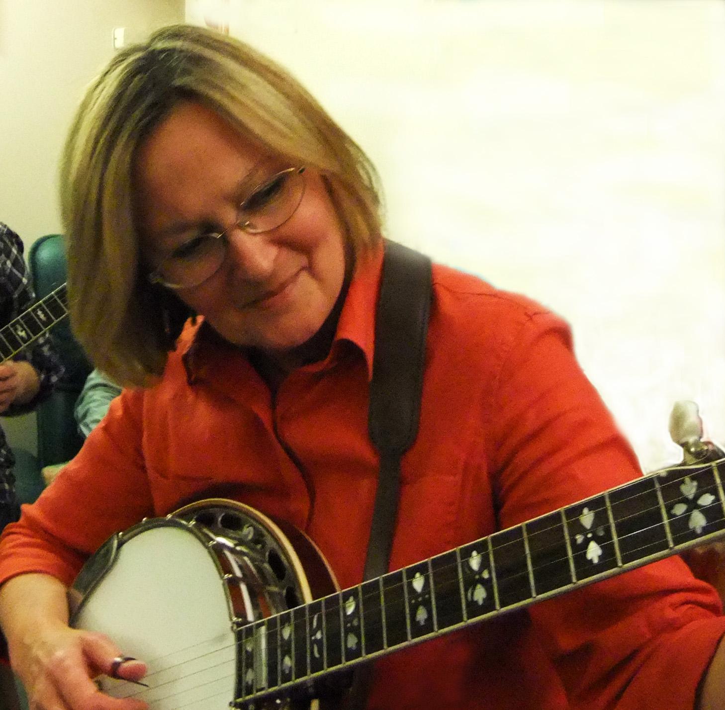 Liz Mc @ Keith's jam - 2010 Nov 20.jpg