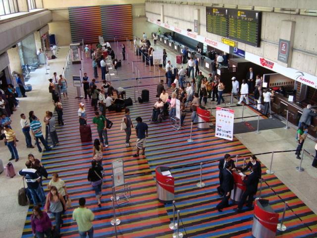 vendrán ajustes a los costos internacionales de las tasas de salida en todos los aeropuertos. Foto: archivo.