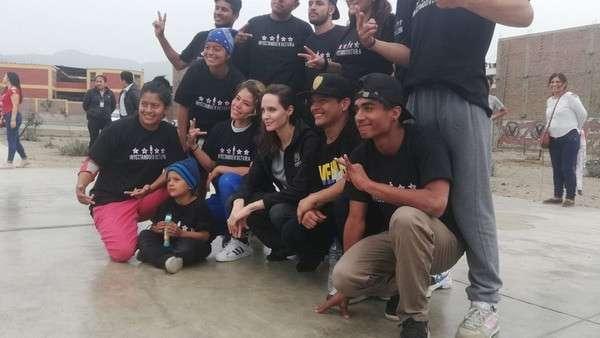 rs_600x338-181022050225-Angelina-Jolie-en-Peru-con-refugiados-venezolanos-2.jpg
