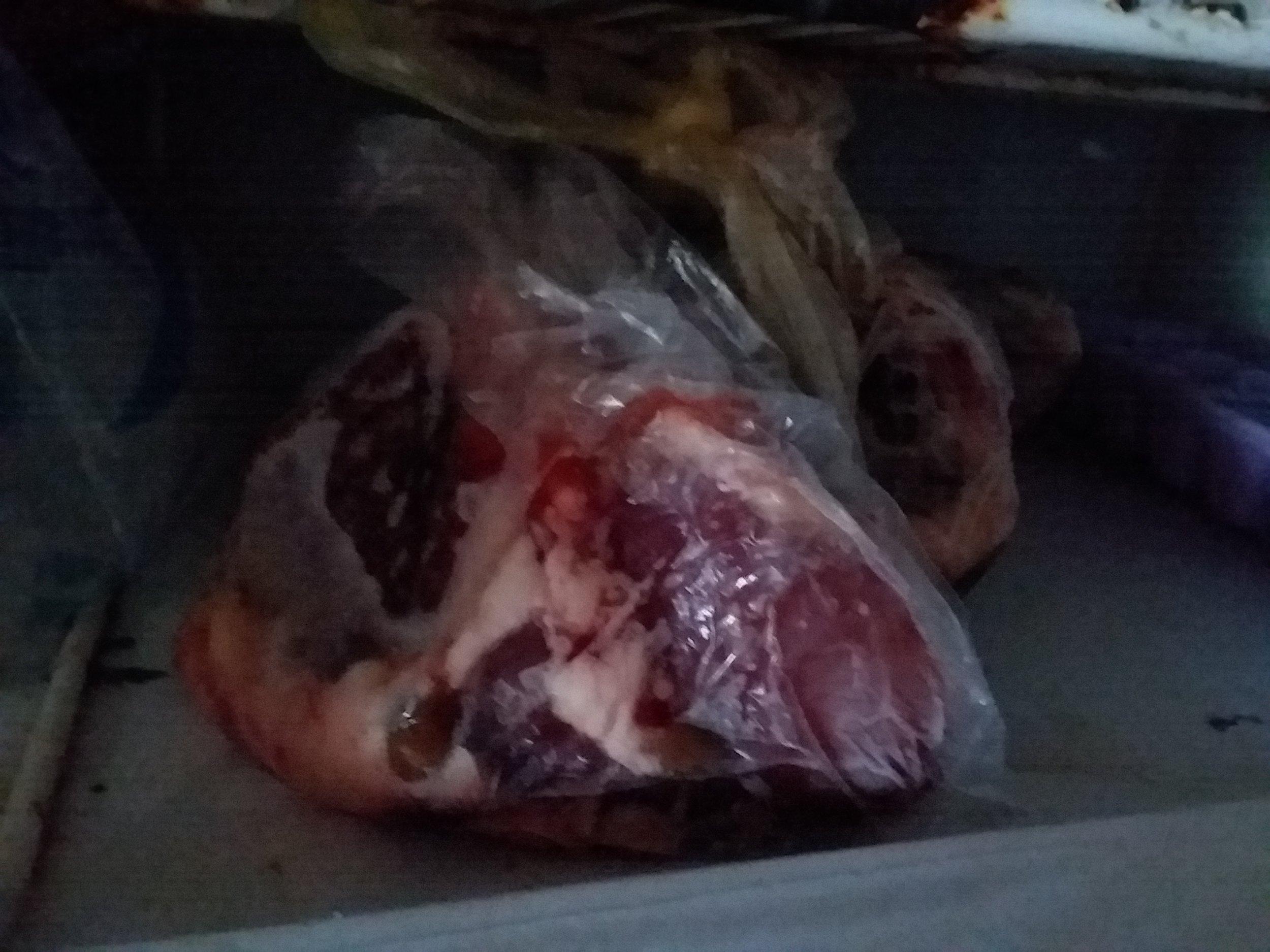 Carne descongelada a causa de los cortes de electricidad