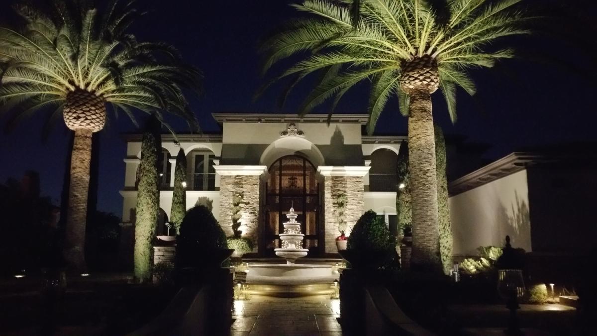 Fullerton LED Outdoor Landscape Lighting