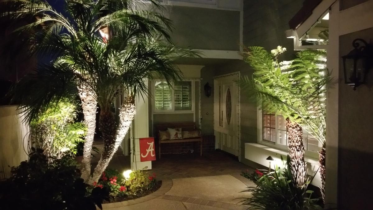 Optimized-front sr outdoor landscape lighting spot path led halogen.jpg