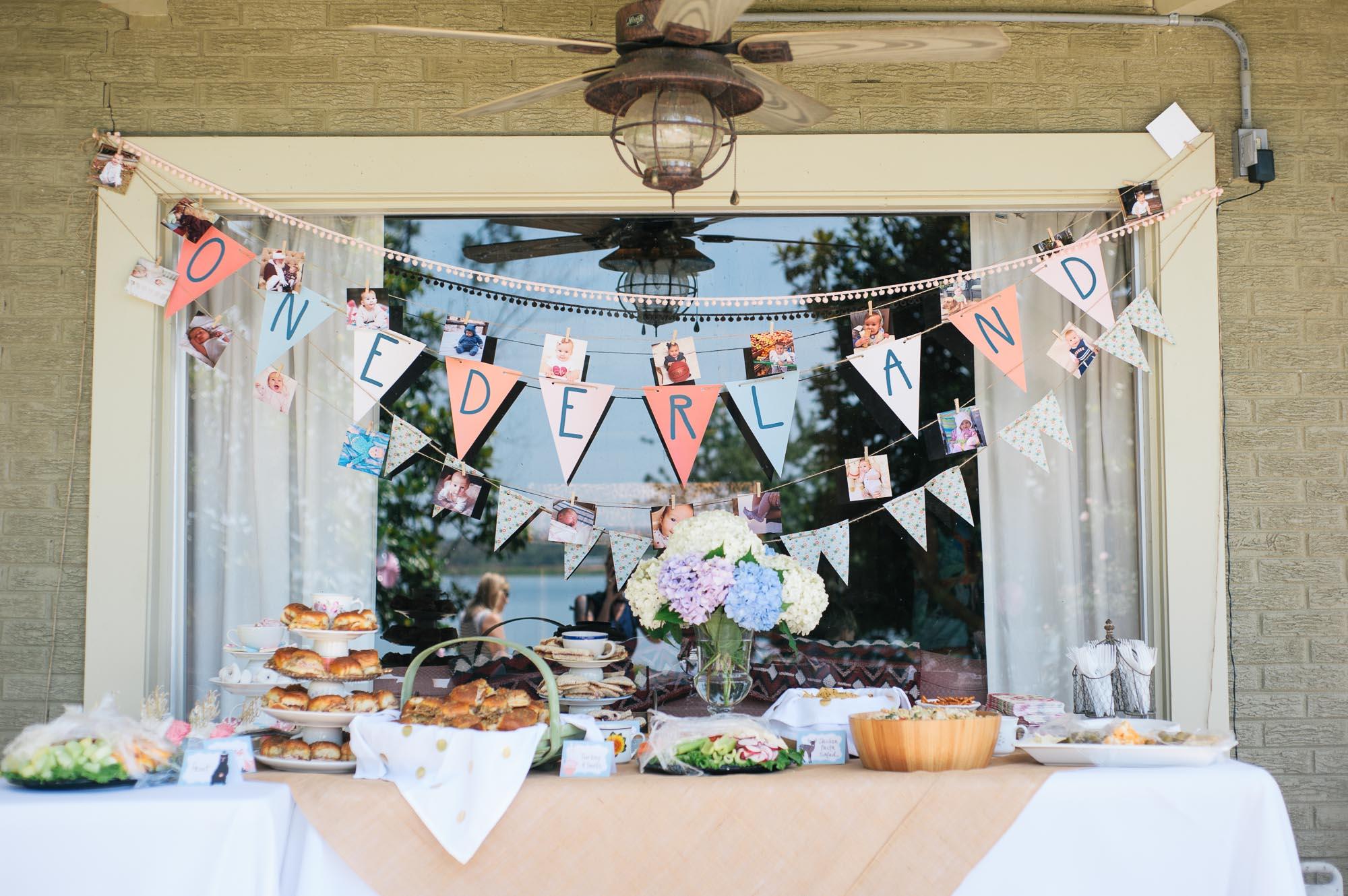 m.newsom-photography-one-year-old-girls-birthday-party-ideas-alice-in-wonderland (13 of 42).jpg