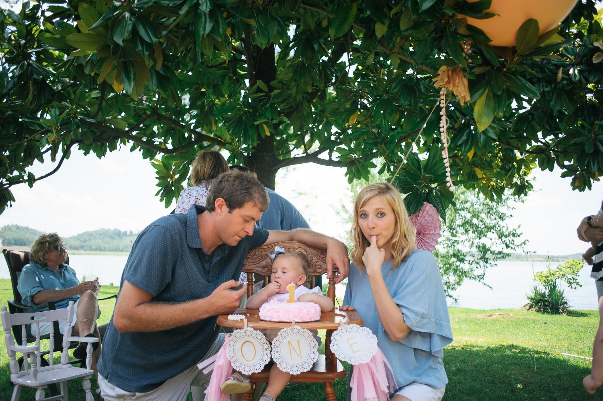 m.newsom-photography-one-year-old-girls-birthday-party-ideas-alice-in-wonderland (38 of 42).jpg