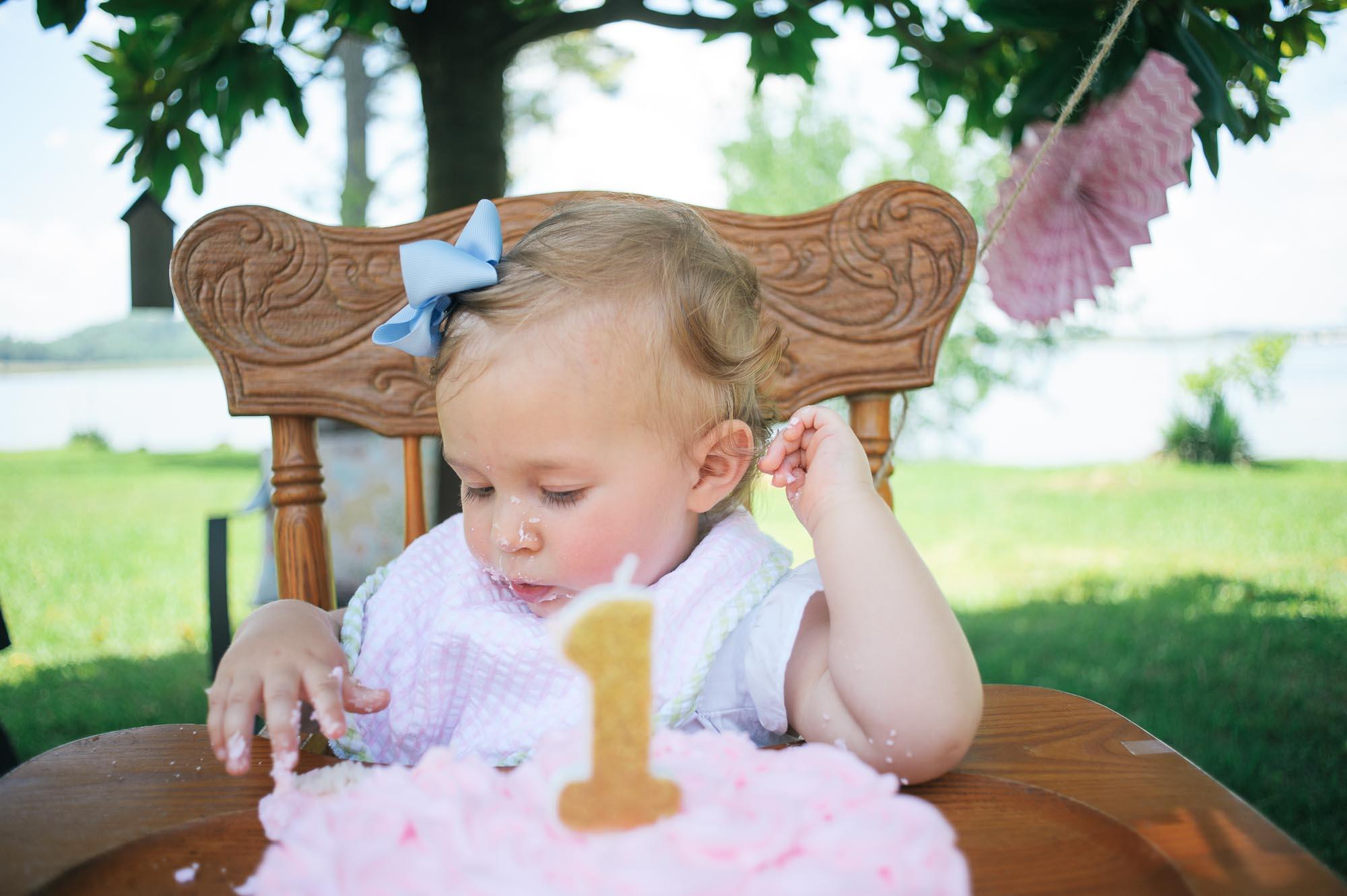 m.newsom-photography-one-year-old-girls-birthday-party-ideas-alice-in-wonderland (40 of 42).jpg