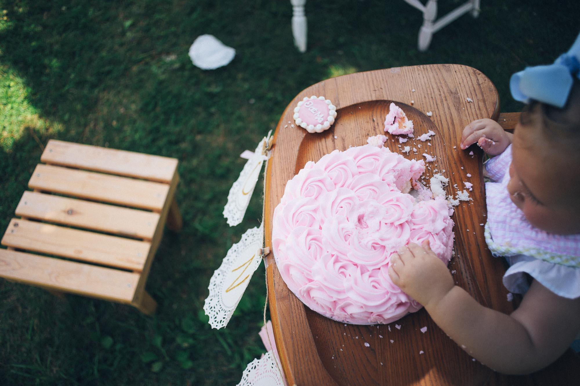 m.newsom-photography-one-year-old-girls-birthday-party-ideas-alice-in-wonderland (42 of 42).jpg