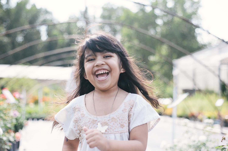 savannah-family-photographer-family-photographer-in-savannah-georgia-hazel-and-scout-m-mewsom-photography-family-photos-in-a-greenhouse-