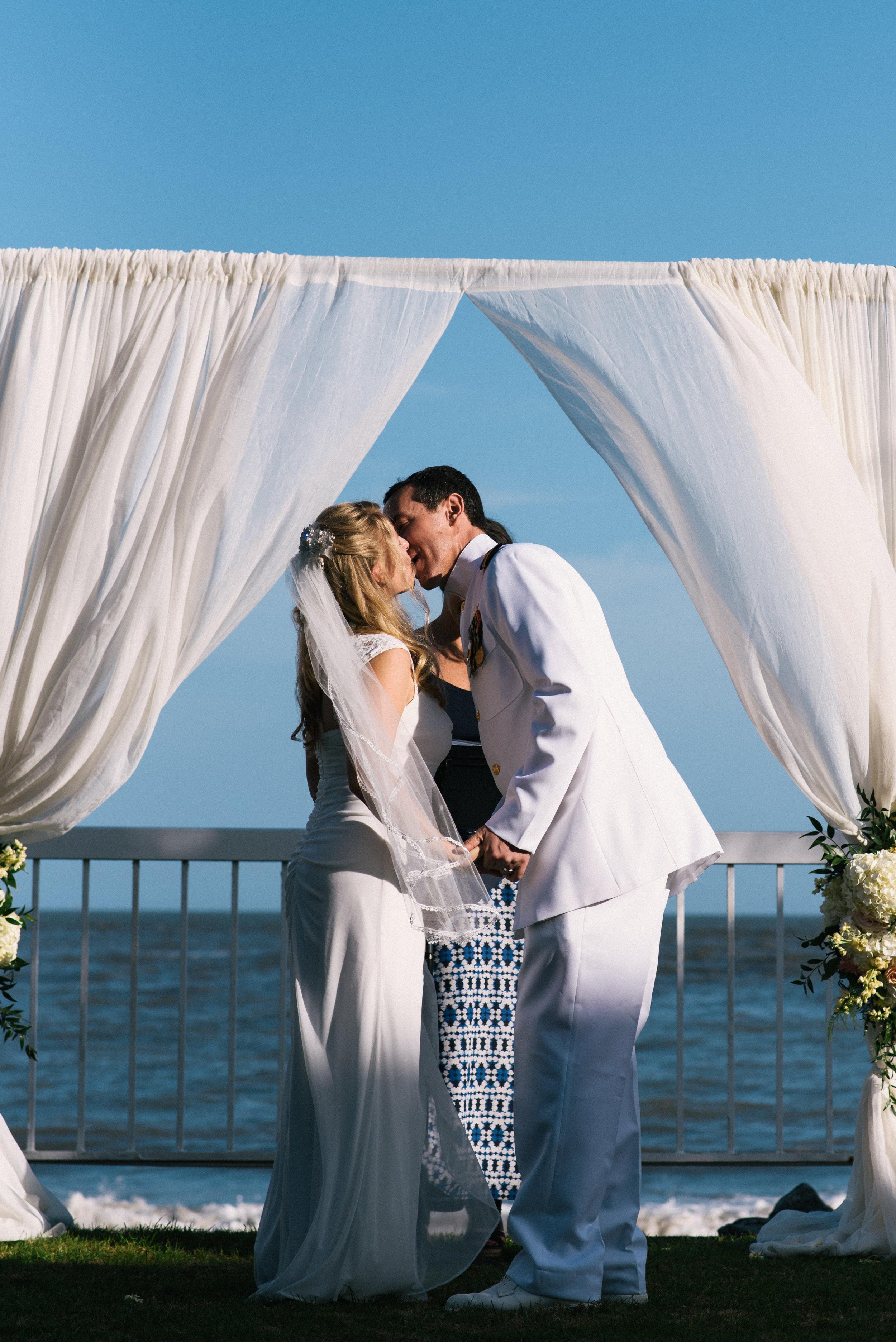 st-simons-island-elopement-photographer-savannah-elopement-photography-savannah-georgia-elopement-photographer-savannah-wedding-photographer-meg-hill-photo-jade-hill- (36 of 72).jpg