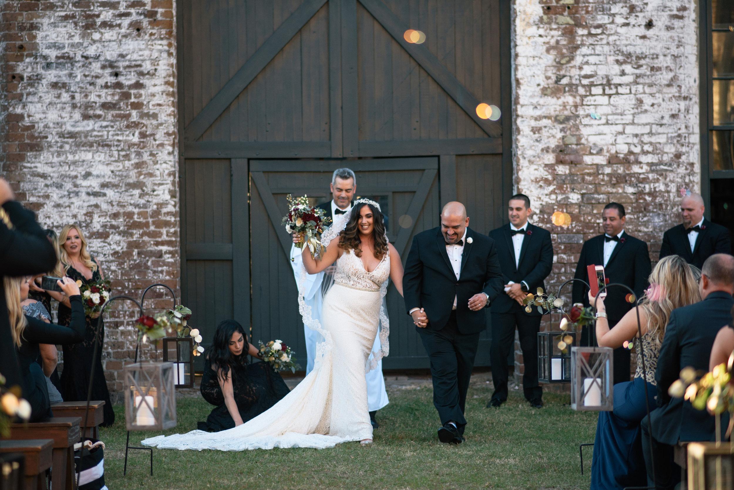 Iggy-and-yesenia-savannah-railroad-museum-wedding-meg-hill-photo- (499 of 1037).jpg