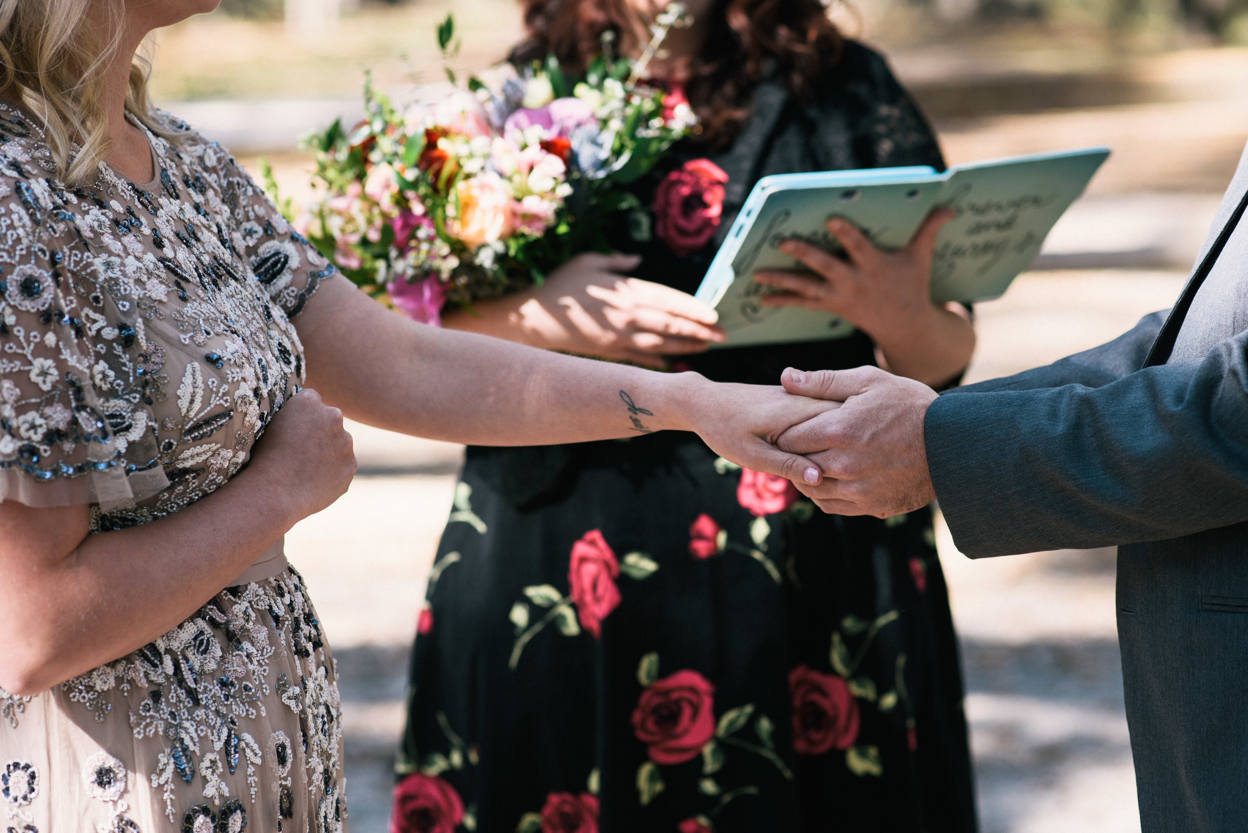 savannah-elopement-photographer-east-coast-elopement-photographer-intimate-wedding-photographer-savannah-georgia