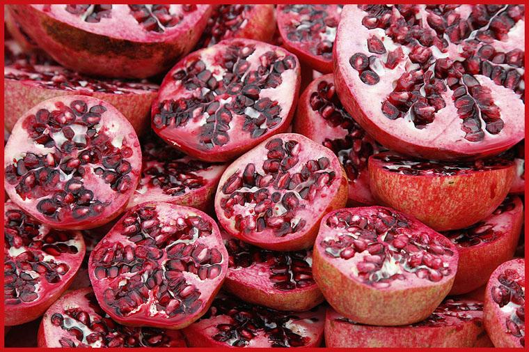 pomegranates_ready_for_juice.jpg