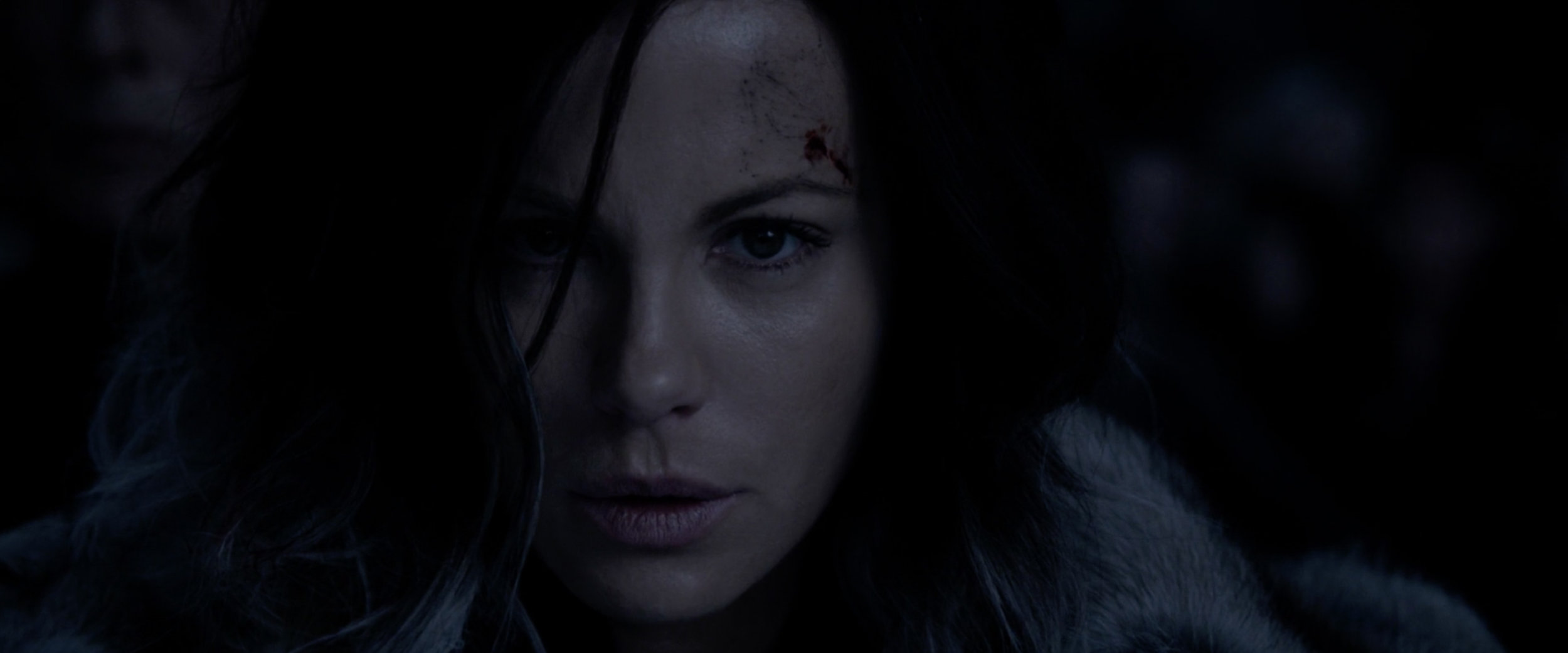 Underworld_BloodWars_55.jpg