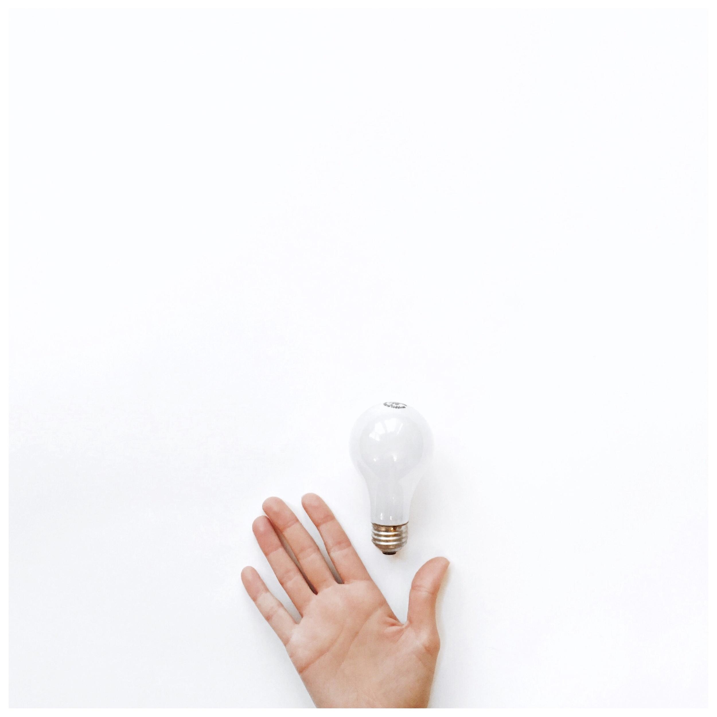 Stef_Etow_Hand_Lightbulb.JPG
