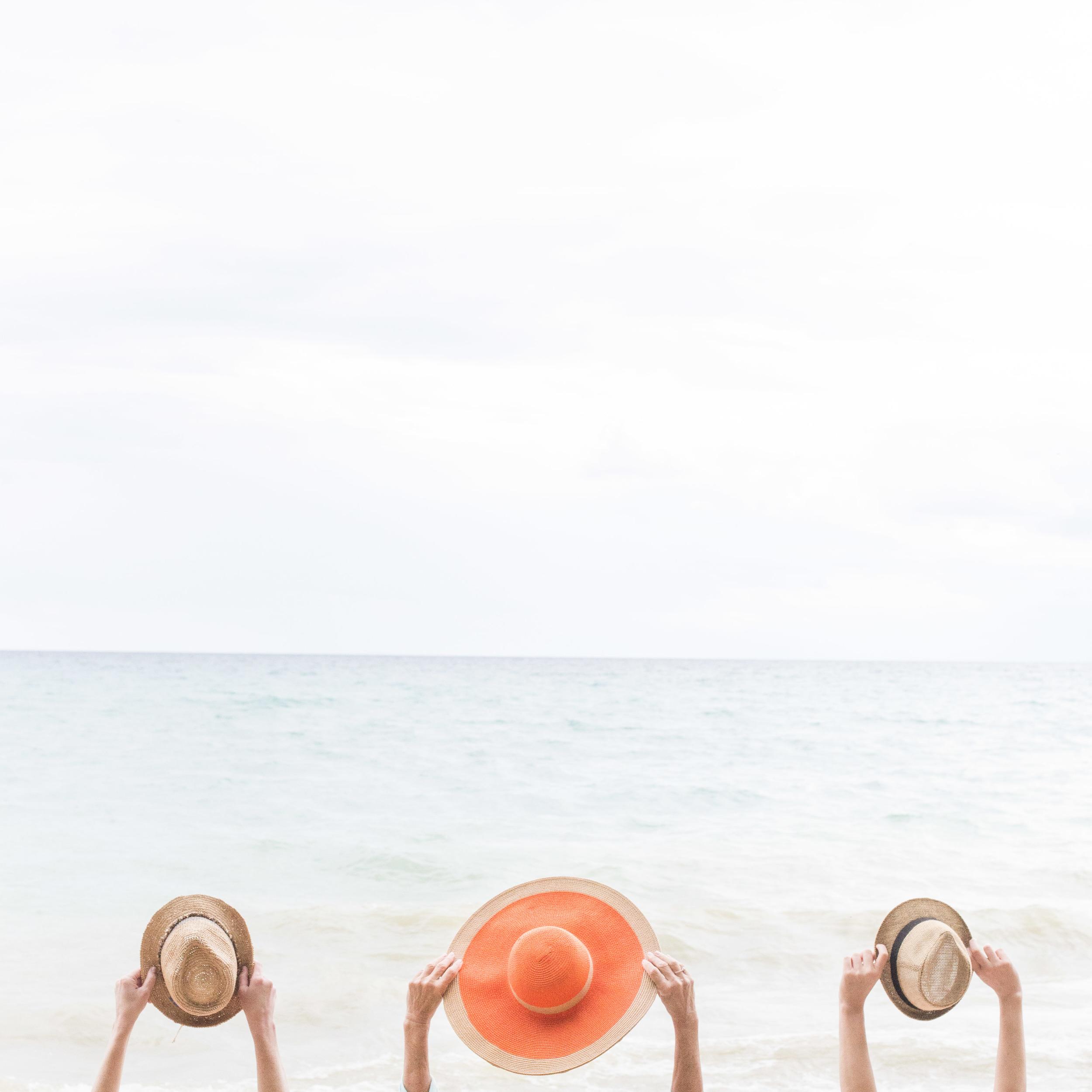 Stef_Etow_hats_beach.JPG