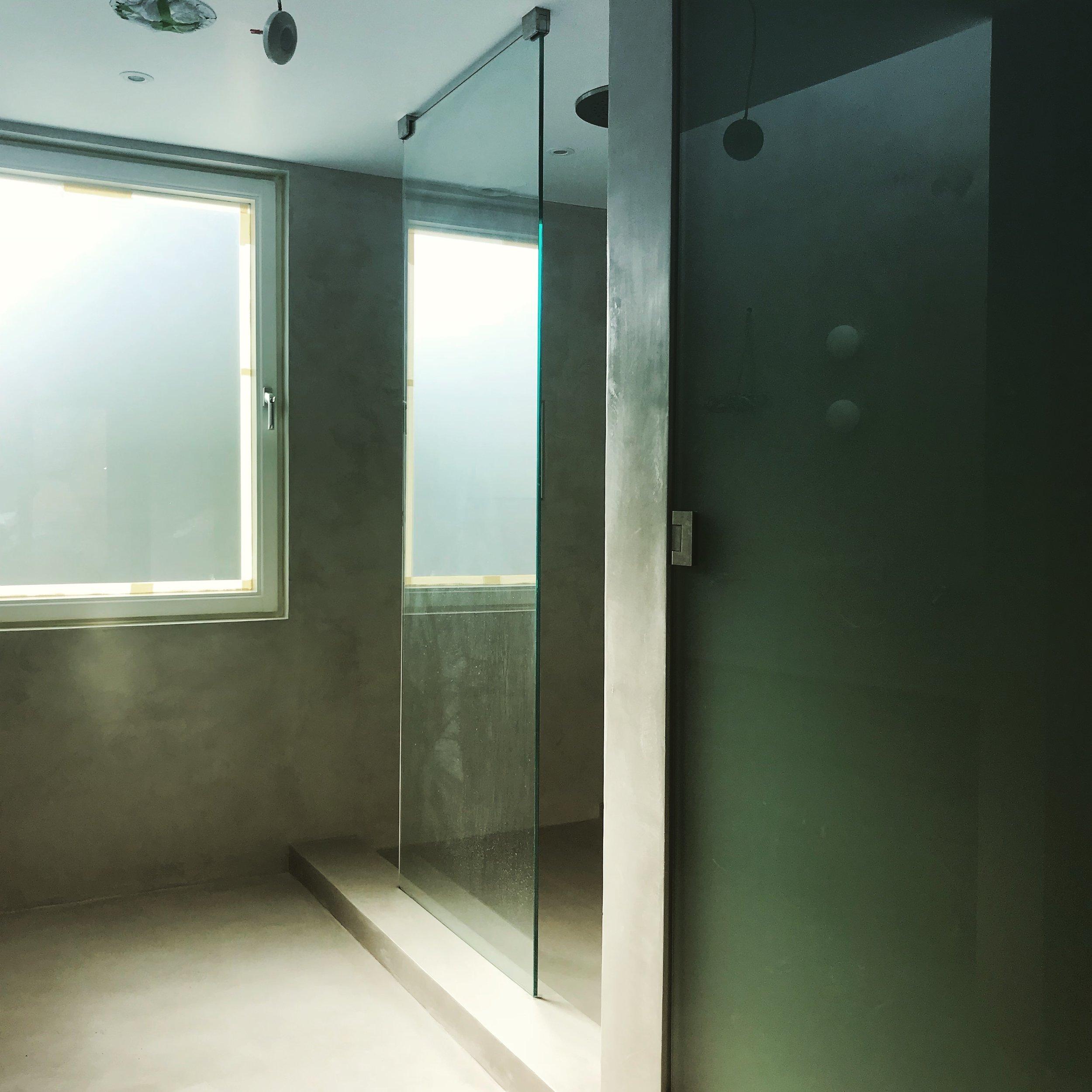 shower screen.jpeg