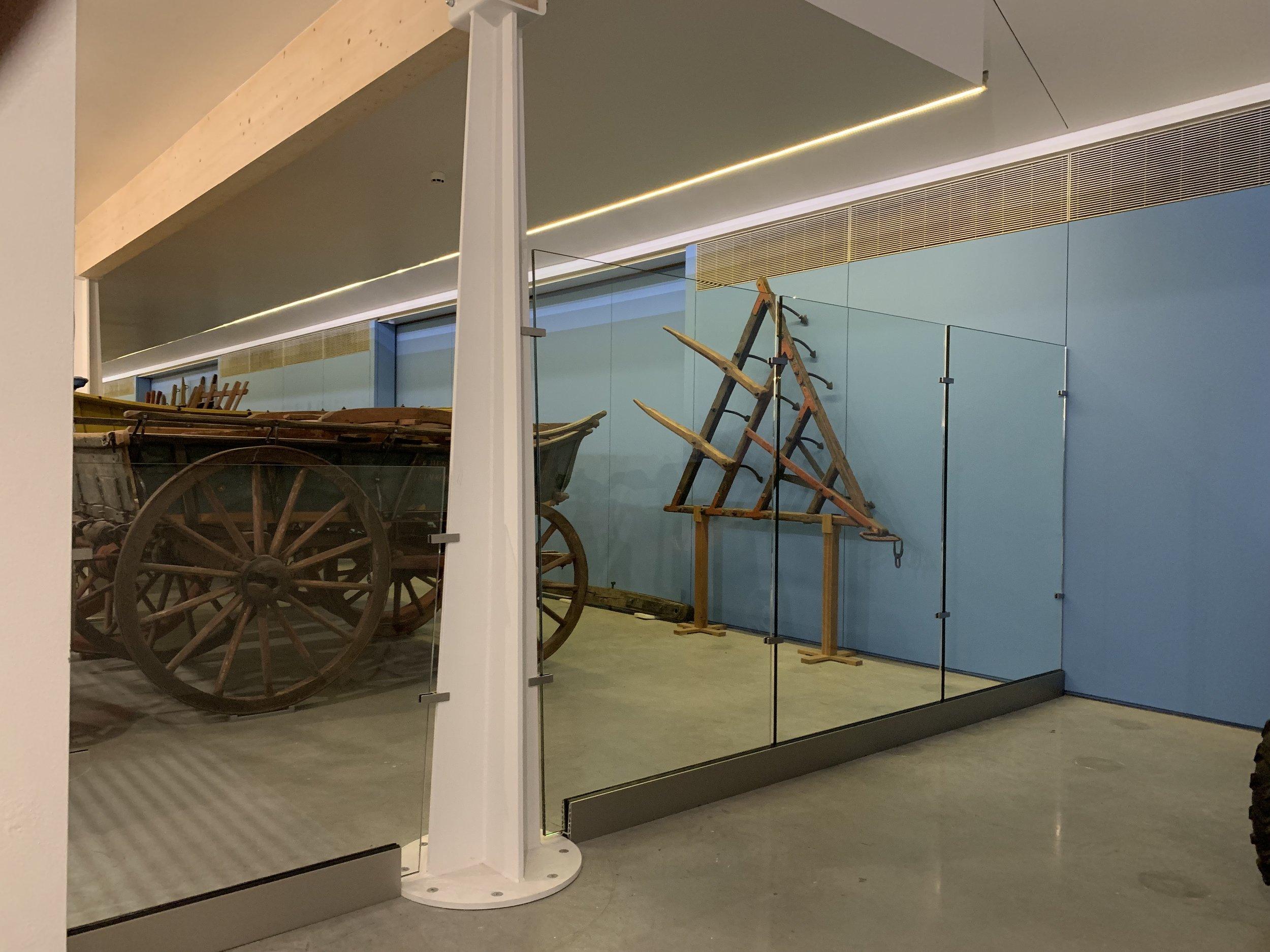 Glass partition:balustrade.jpeg