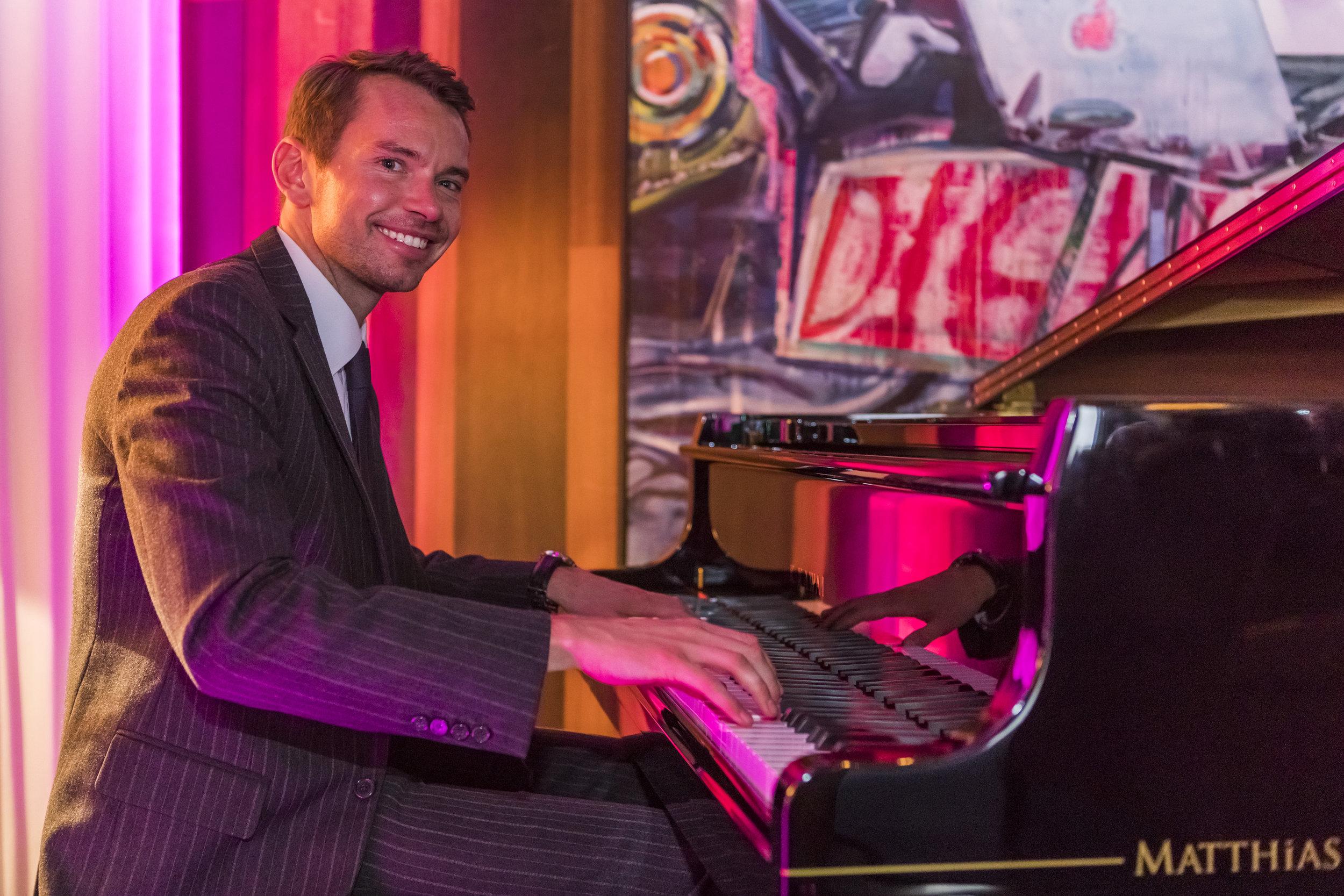 Pianist in Hamburg - Simon Rawalski