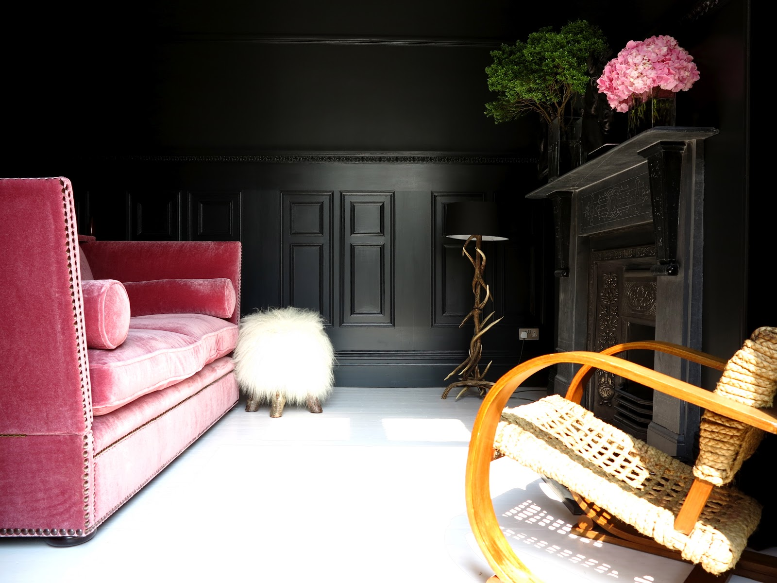 That  pink sofa via  47parkavenue