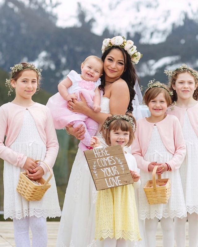 One year ago today, this beautiful bride married the man of her dreams on the top of a mountain, surrounded by family and friends... and this adorable  little posse! Sharing some of her favourite images in my story today and wishing them both many more happy years together! 💗