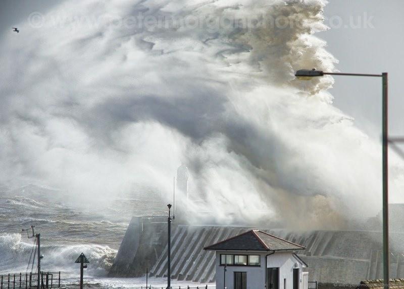 Storm Porthcawl Harbour 20140208_57.jpg