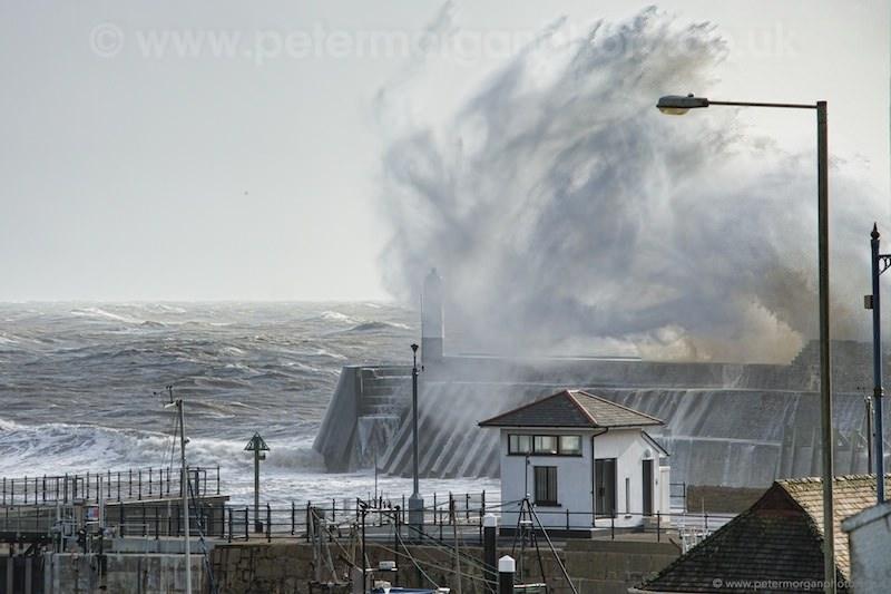 Storm Porthcawl Harbour 20140208_99.jpg