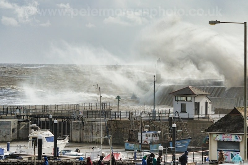Storm Porthcawl Harbour 20140208_215.jpg