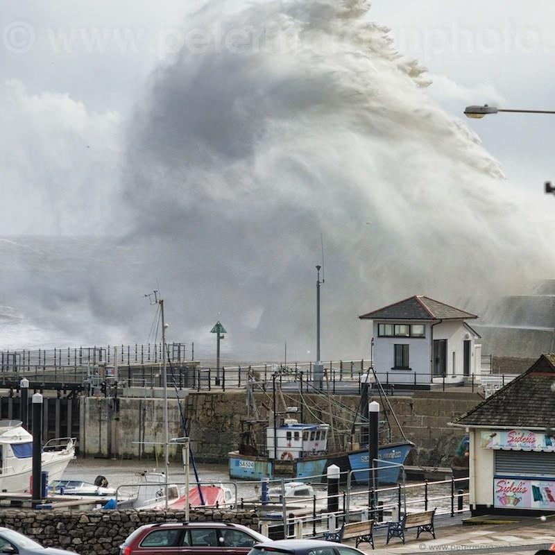 Storm Porthcawl Harbour 20140208_267.jpg