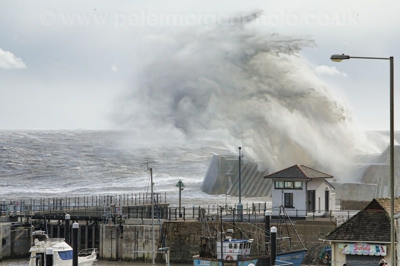 Storm Porthcawl Harbour 20140208_288.jpg