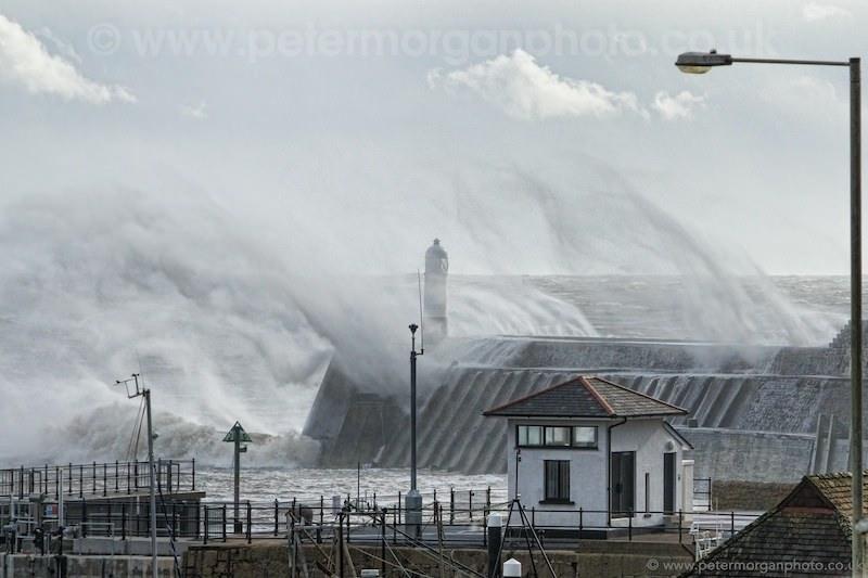 Storm Porthcawl Harbour 20140208_307.jpg