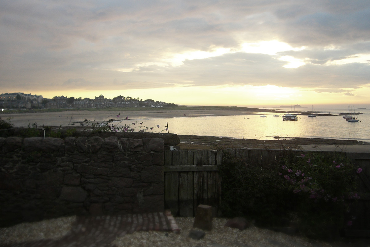 Coldingham-beachut.jpg