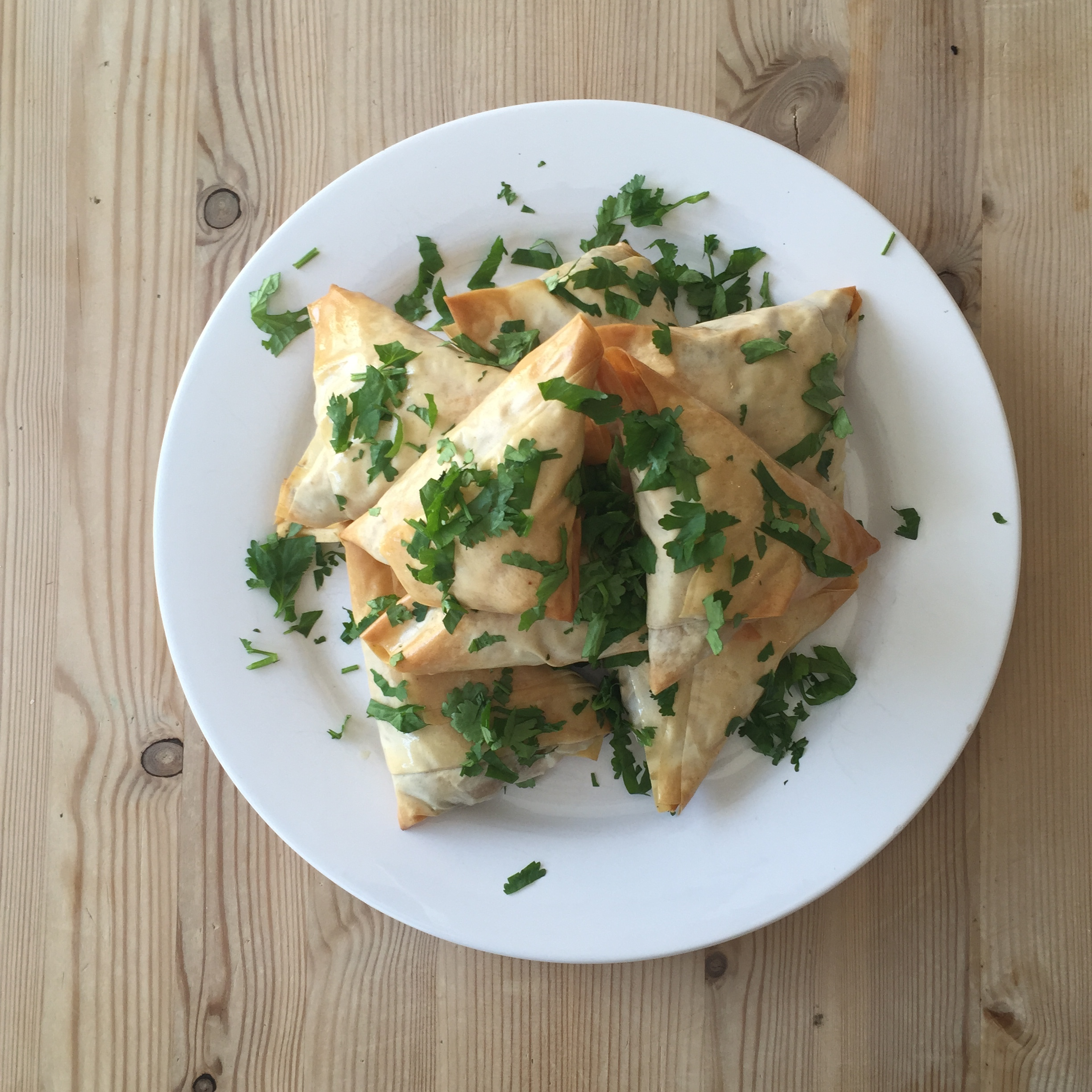 Baked sweet potato and carrot samosas