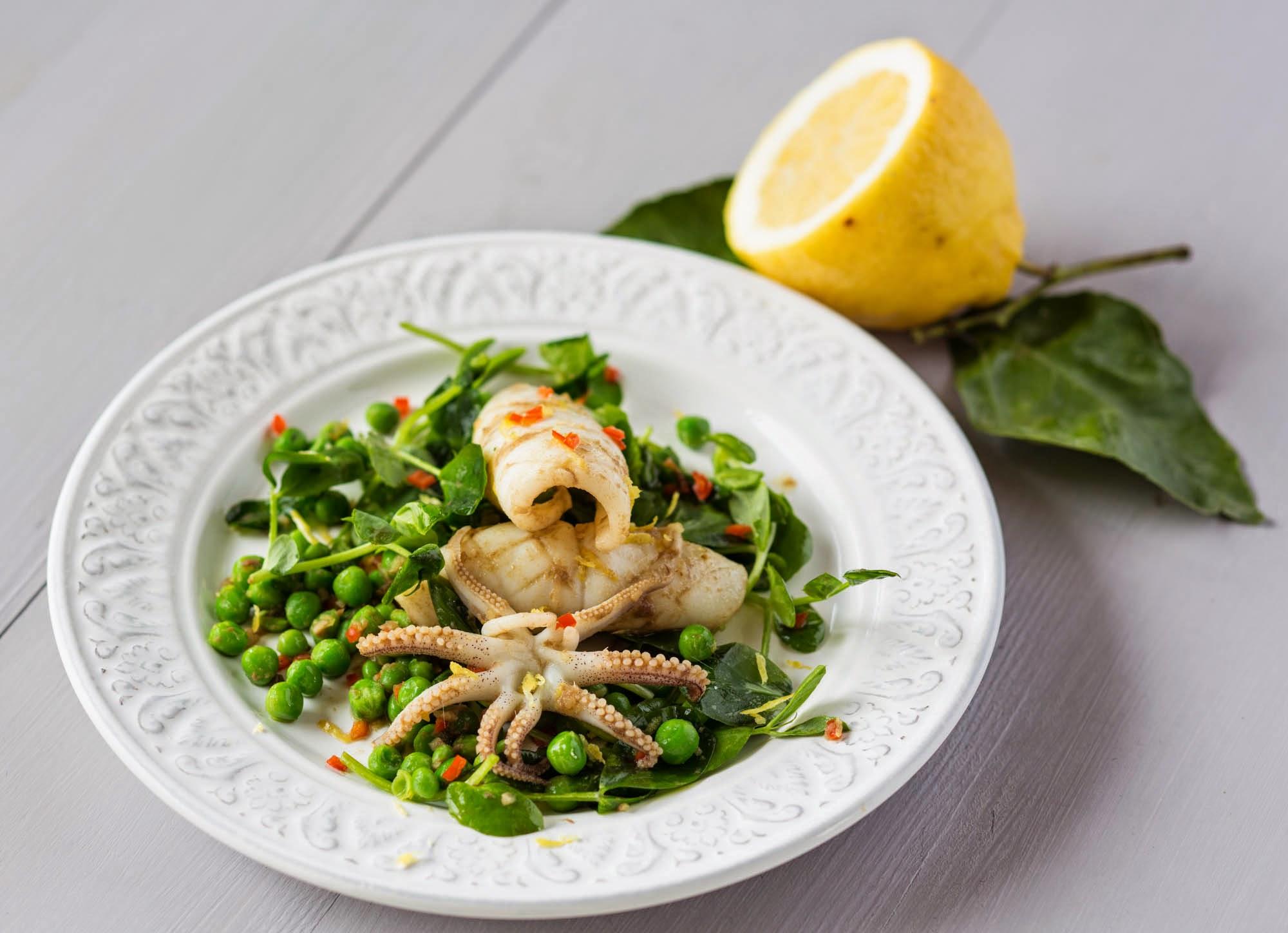 Squid, chilli & pea shoots