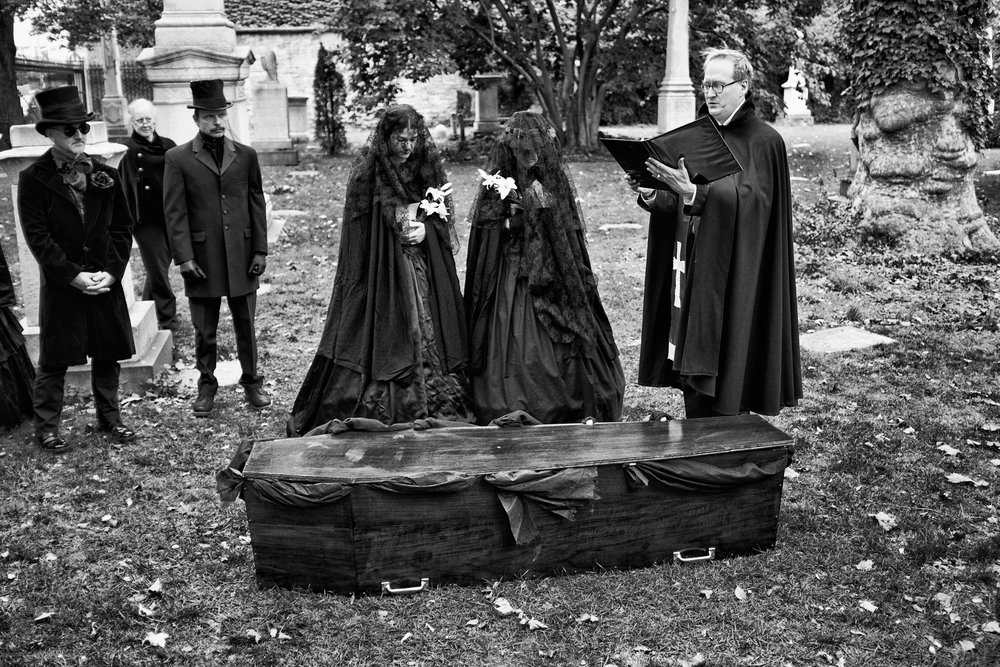 Merchant's House funeral reenactment, 2014. (Photo by Nathan Swan: http://nathanswan.com/blog/2014/11/27/funeral-reenactment-for-seabury-tredwell)