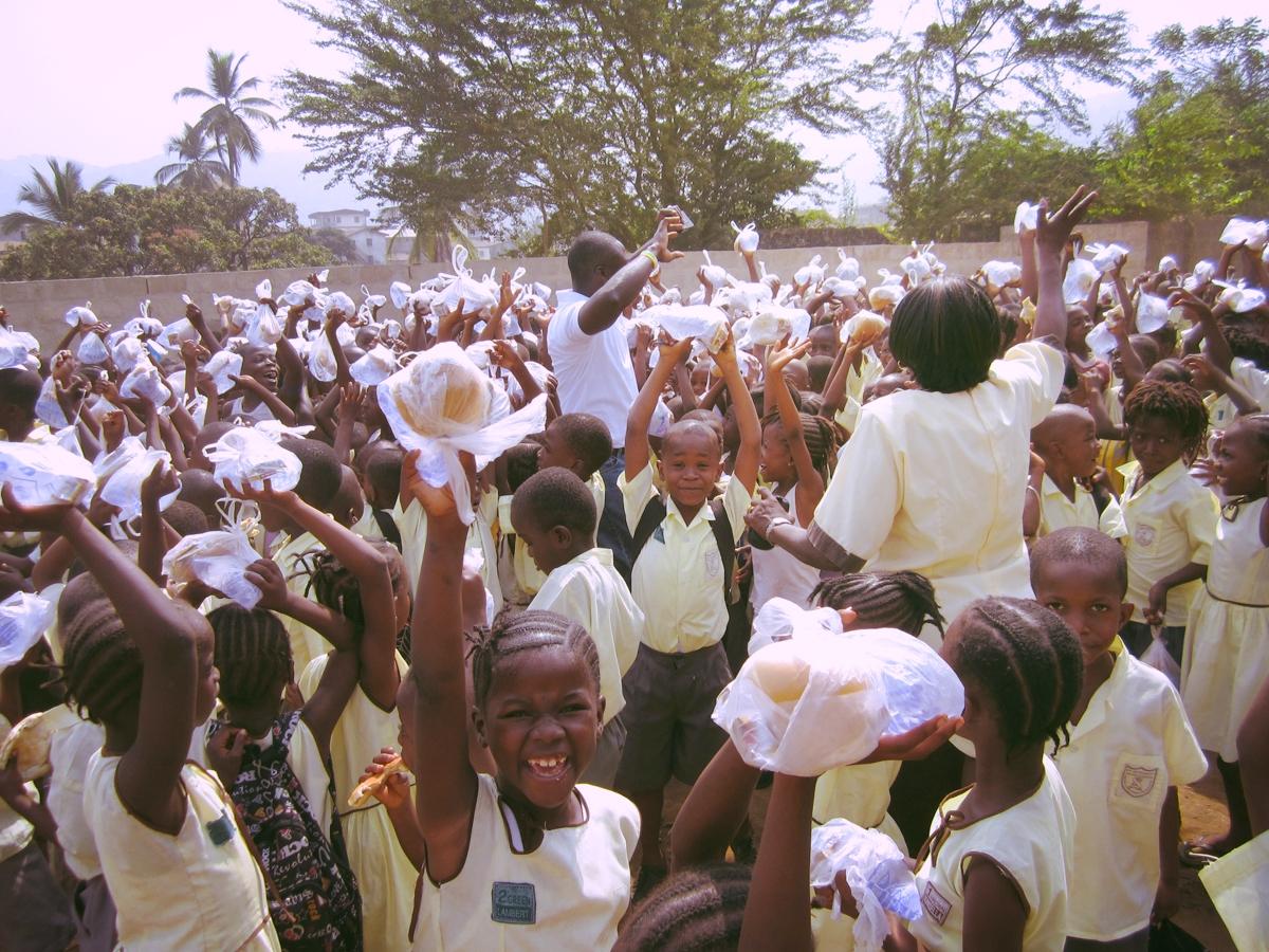 Feeding St. Anthony Children.jpg
