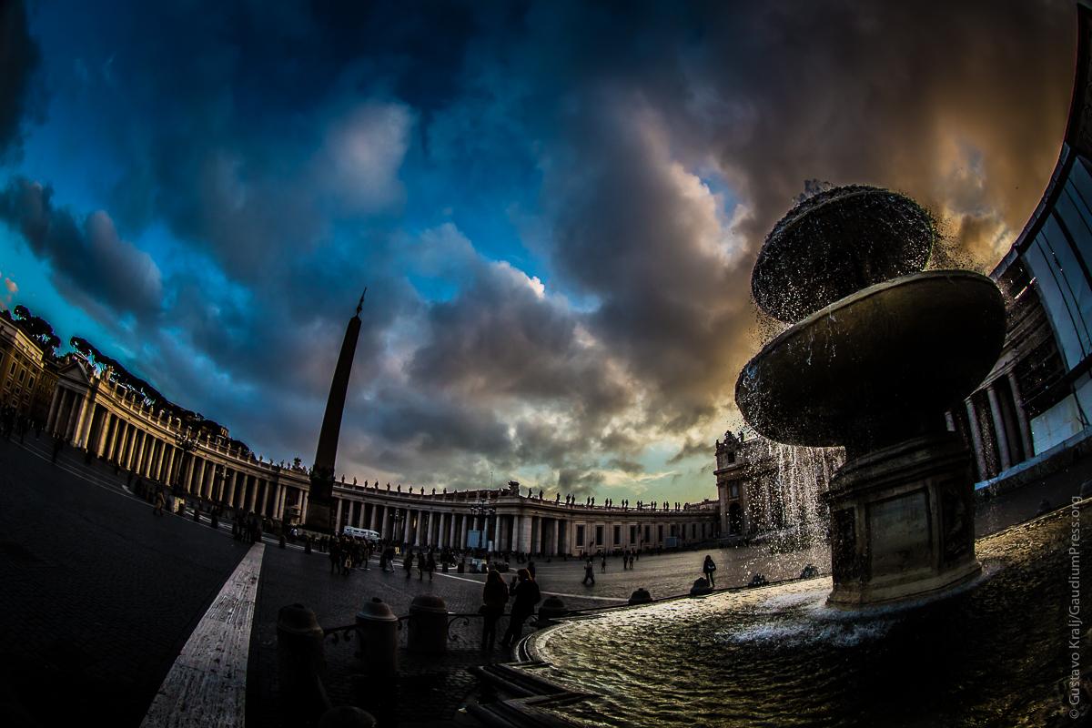 Roma: Plaza San Pedro al atardecer. Foto: Gustavo Kralj/Gaud  iumpress