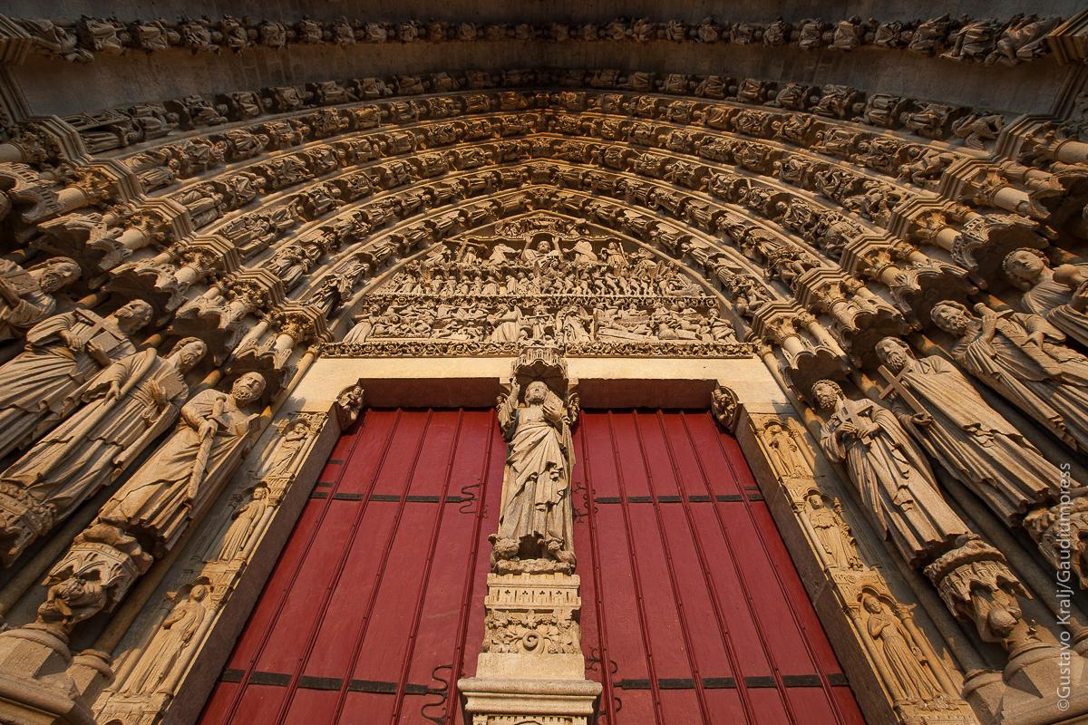 "Amiens, Francia: portal de Jesus, 'Le Beau Dieu"".Foto: Gustavo Kralj/Gaudiumpress."