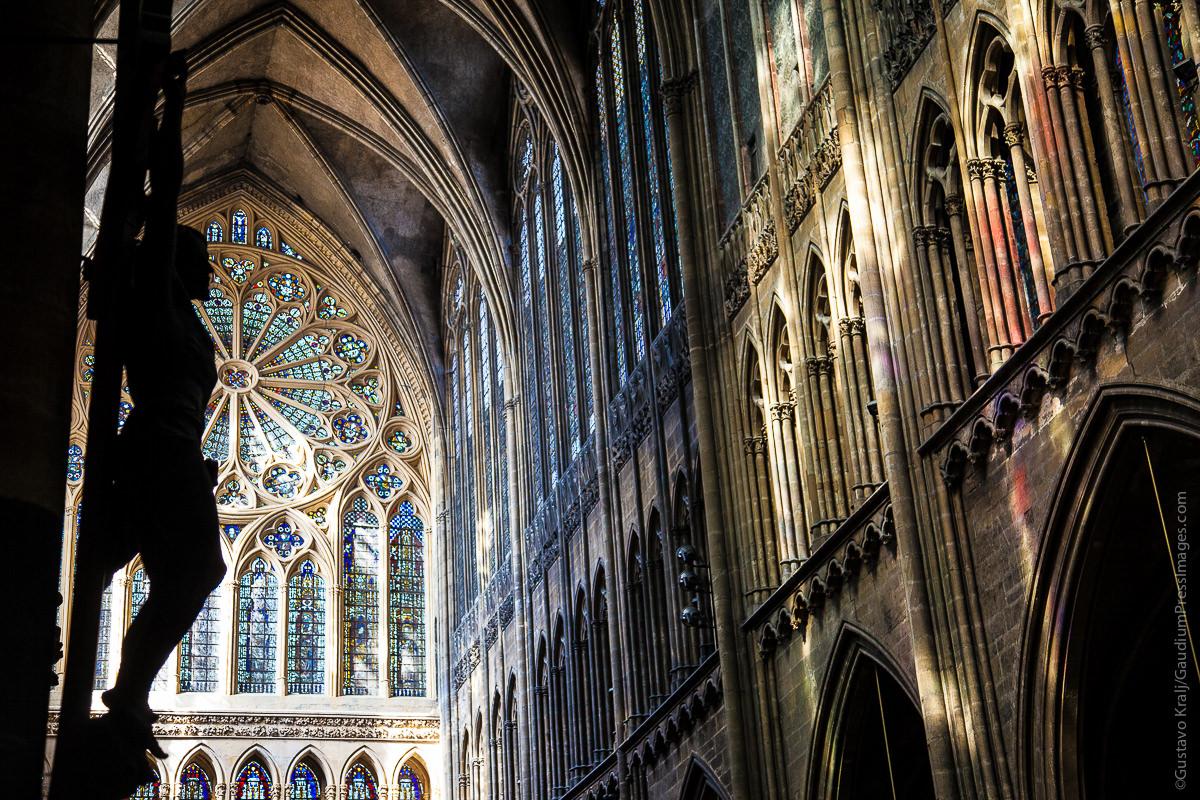 """""""Vengan a mí todos los que están afligidos y agobiados, y yo los aliviaré. Catedra; de Metz. Foto: Gustavo Kralj/GaudiumpressImages.com"""