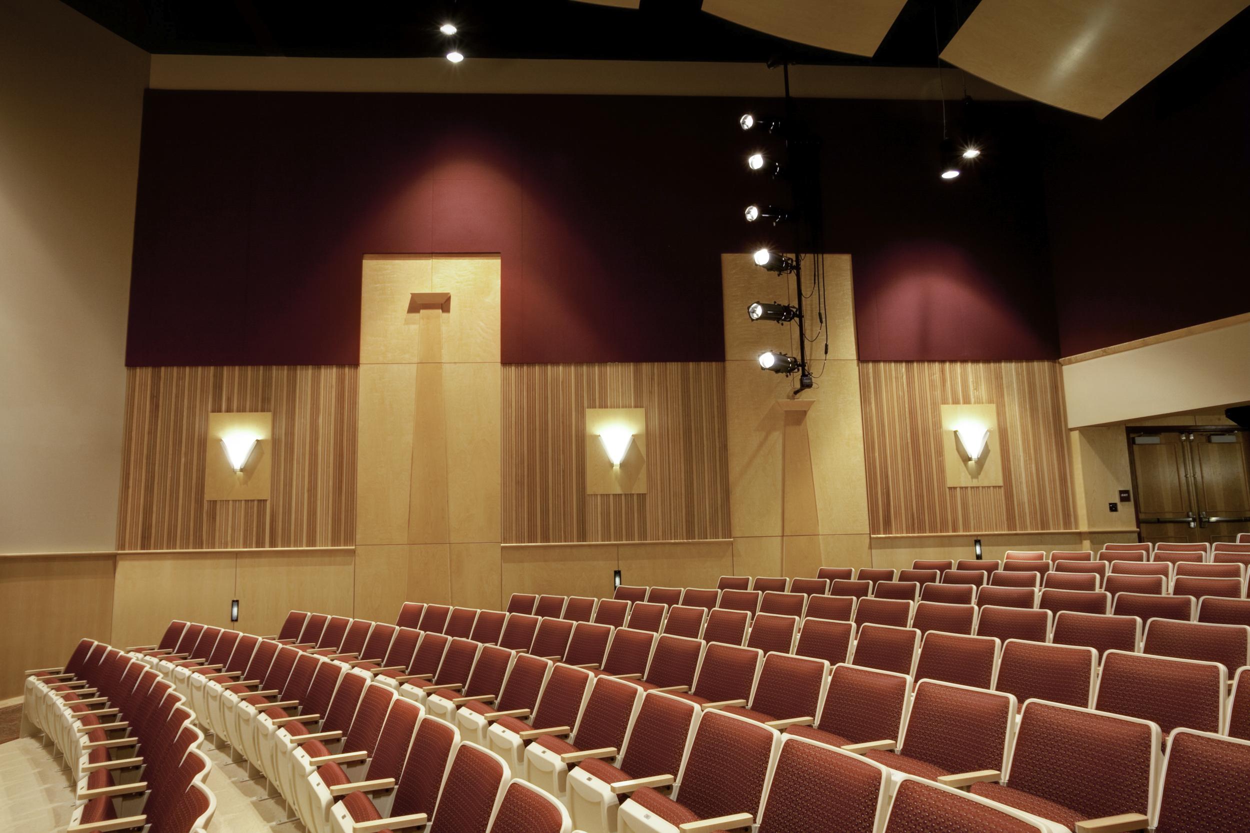 ChichesterHighSchool_Auditorium03.jpg