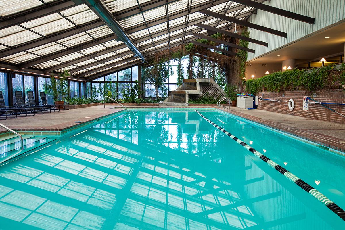 chicago_lakeshore_indoor_pool.jpg
